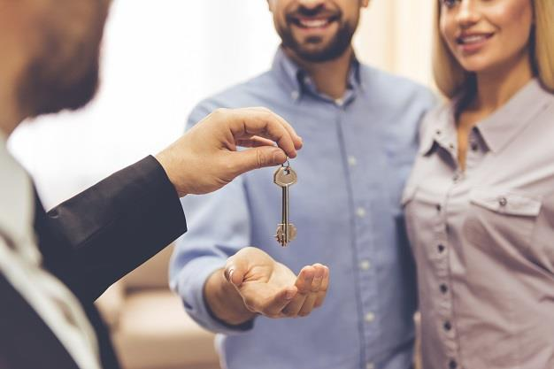 Estate agents can now apply for an essential services permit to perform inspections
