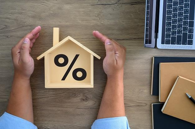 Recent rate cuts shave over R1.5k off a R1m bond – but is it enough?